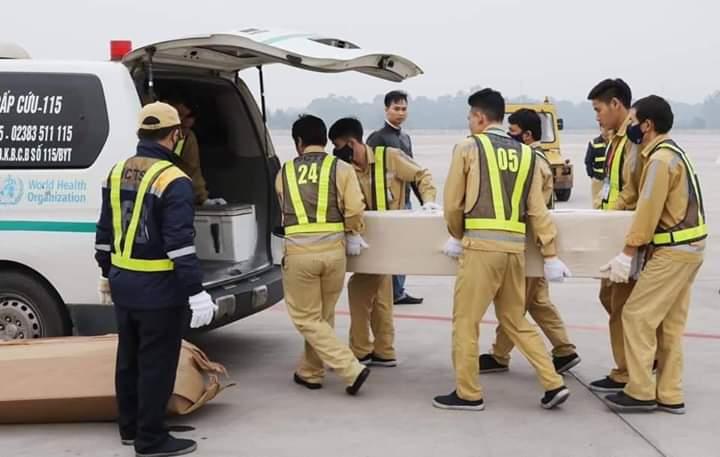💥  Sáng ngày 30 11 2019, thi hài và tro cốt 23 nạn nhân còn lại trong vụ việc 39 nạn nhân thiệt mạng... - Photos byTrúc Thanh