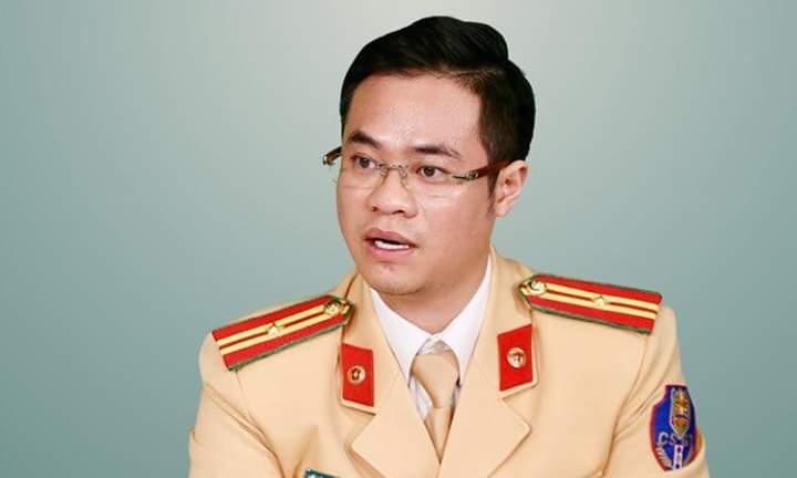 💠  Thiếu tá Đào Việt Long, Phó Trưởng phòng CSGT Hà Nội. Đây đang là CSGT hot vì bắn tiếng anh với... - Photos byPhan Thu Linh