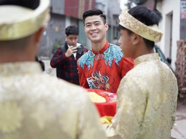 🔴  Trực tiếp đám hỏi cầu thủ Duy Mạnh và công chúa béo Quỳnh Anh sáng nay  Hình ảnh sẽ được... - Photos byTrần Linh