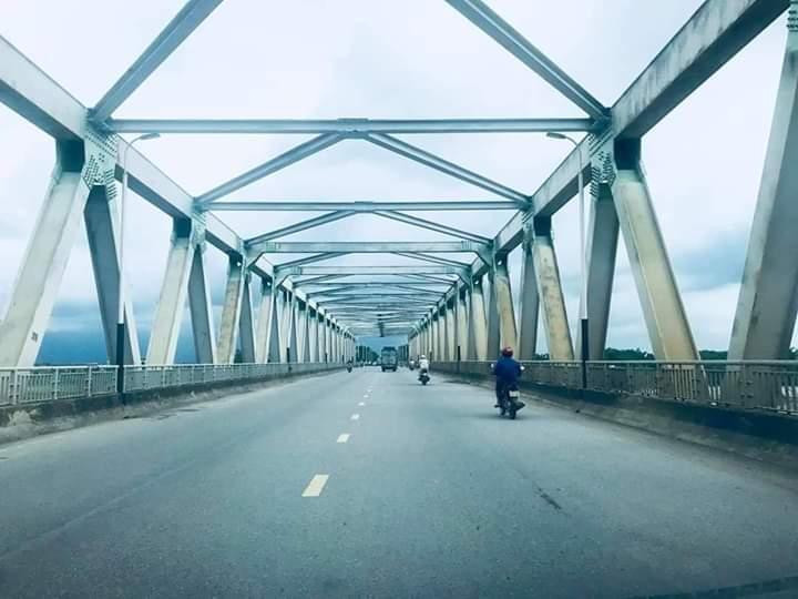 ⭐  Cây Cầu trên đường về nhà yêu cũ các cụ ạ.  Không biết các cụ thế nào chứ riêng... - Photos byHồ Phước Lĩnh