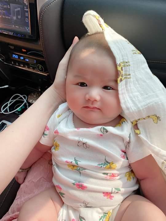 📝  Nằm và ngẫm nghĩ vậy là mình đã 2 tháng tuổi.Mẹ bảo mình già qúa,mấy bác có nghĩ giống như mẹ... - Photos byHuynh Sam