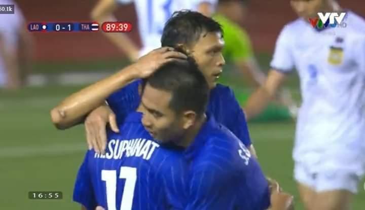 💠  Hết giờ 2-0 cho Thái Lan ..  Quá tiếc cho người anh em Lào .... - Photos byNguyễn Thị Kiều Trang