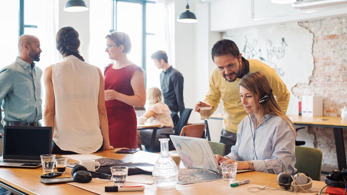10 Ways to Keep Your Customer Service Team Happy and Deliver a Better Customer Experience