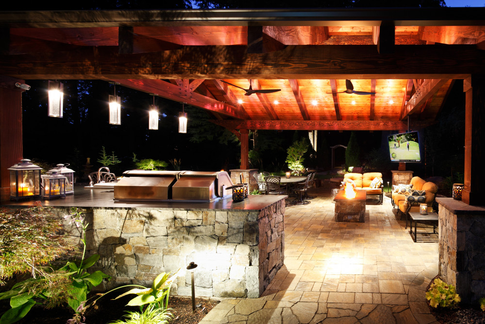 5 Homeowners with Breathtaking Outdoor Entertainment Areas