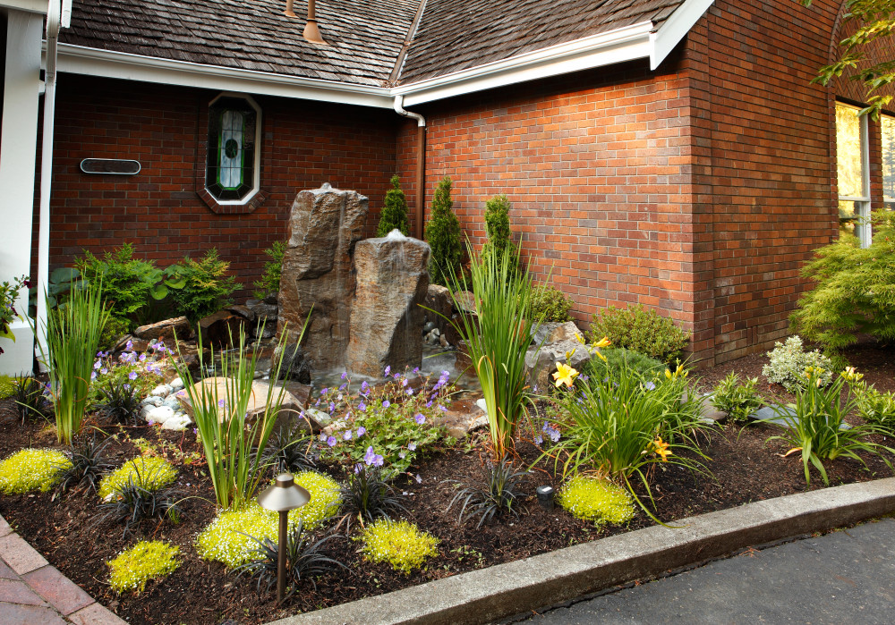 Landscaping Designs With the Best ROI