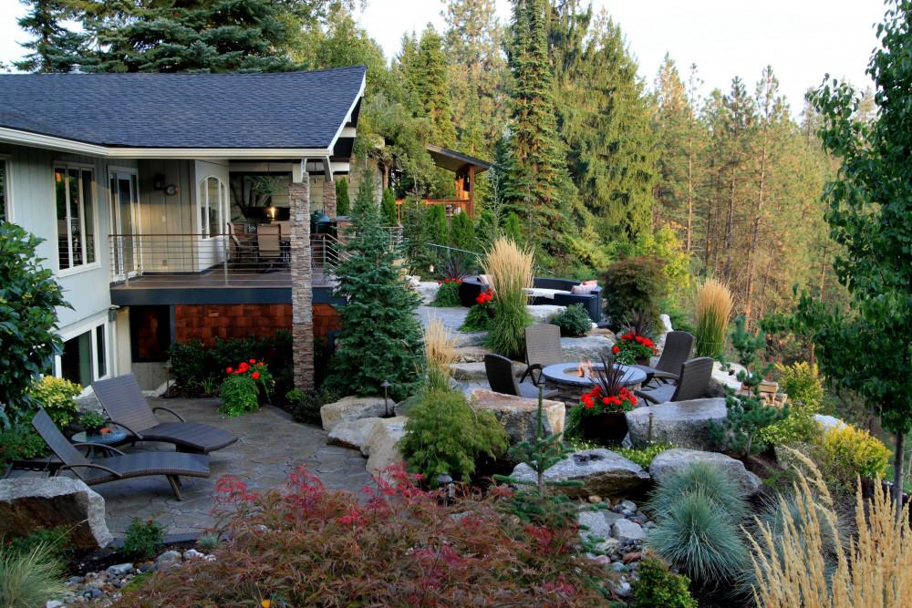 Landscape Designs for a Sloped Yard