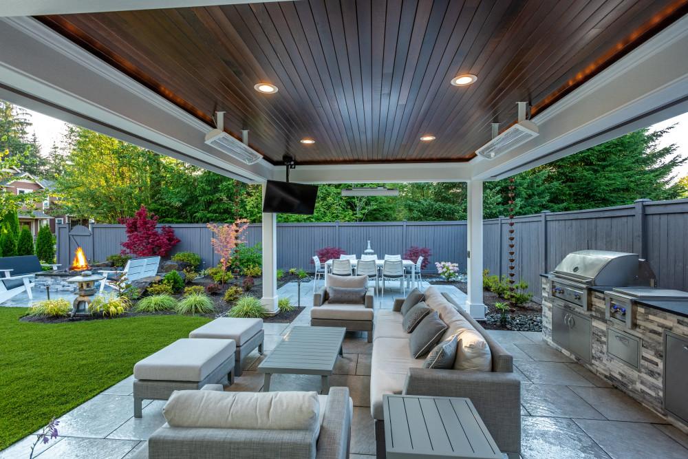 Asian-Infused Backyard Sanctuary