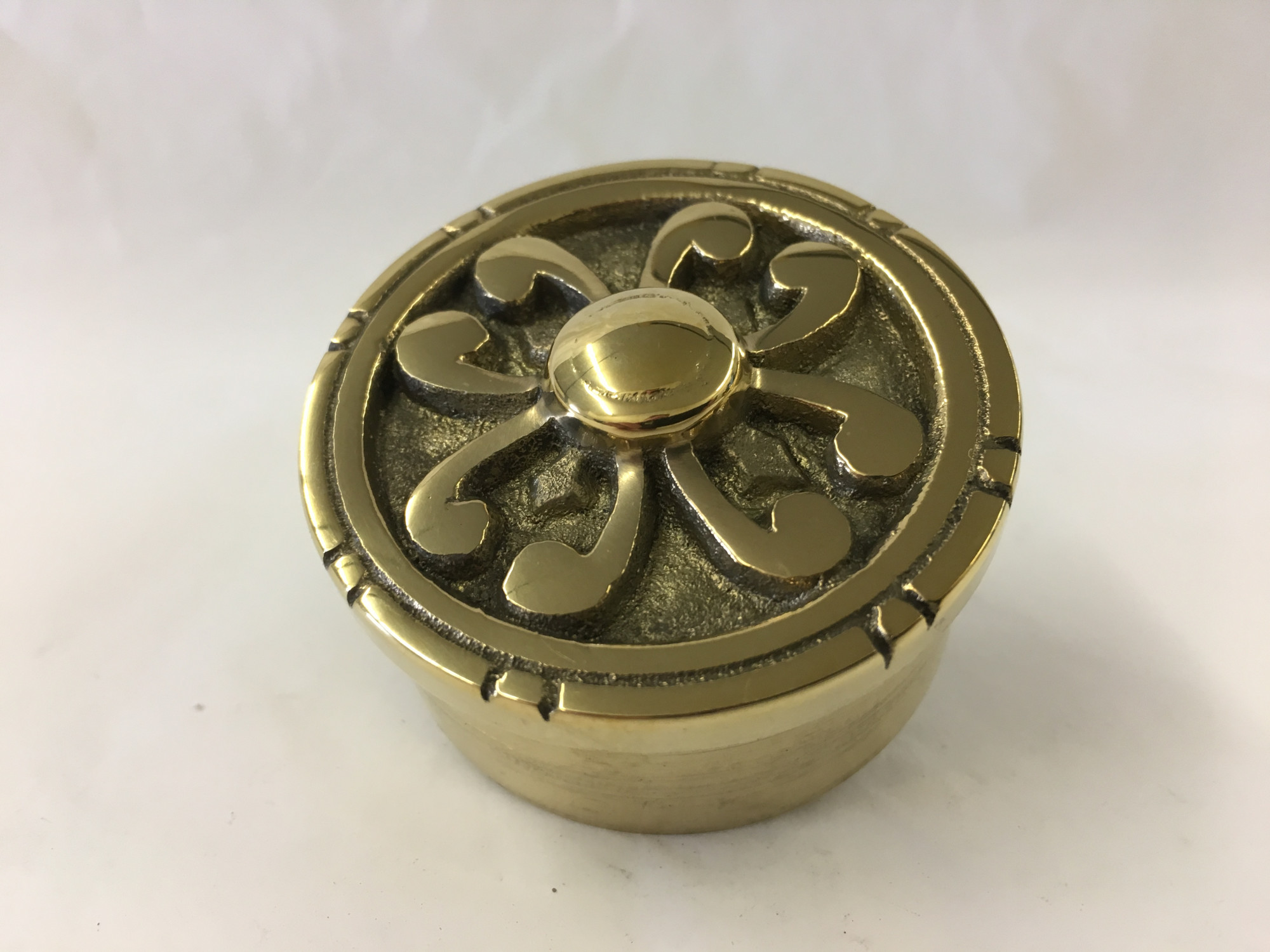 Polished Brass Decorative Flush End Cap (2in)