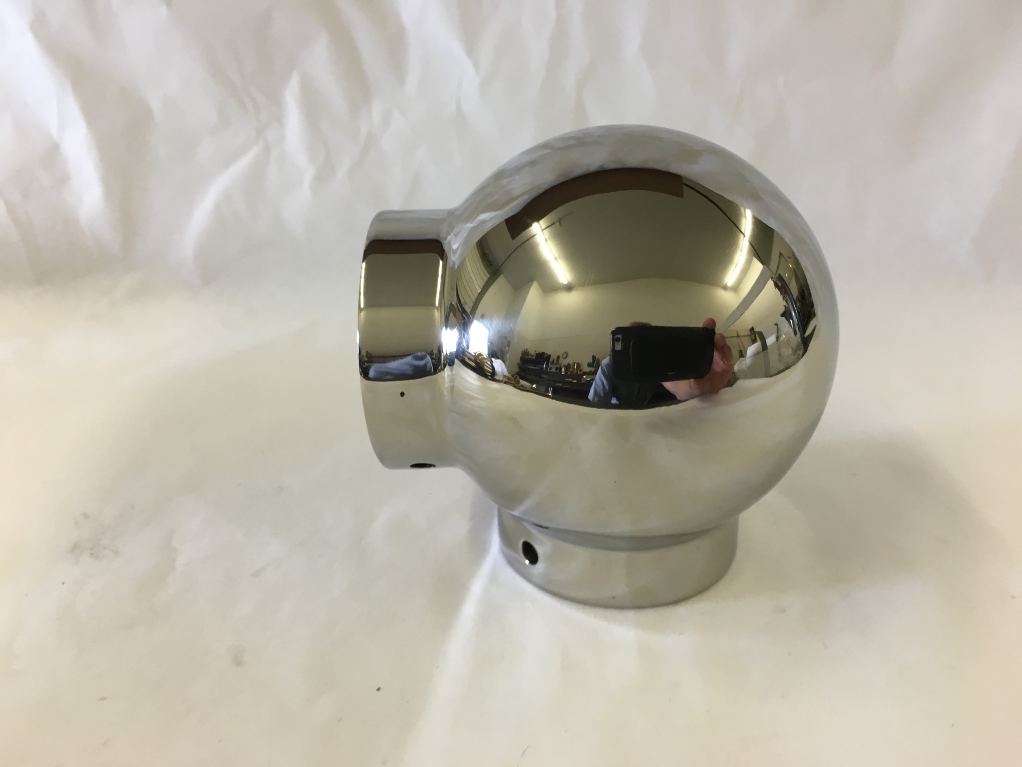 Polished Stainless Ball Elbow Fitting (1-1/2in)