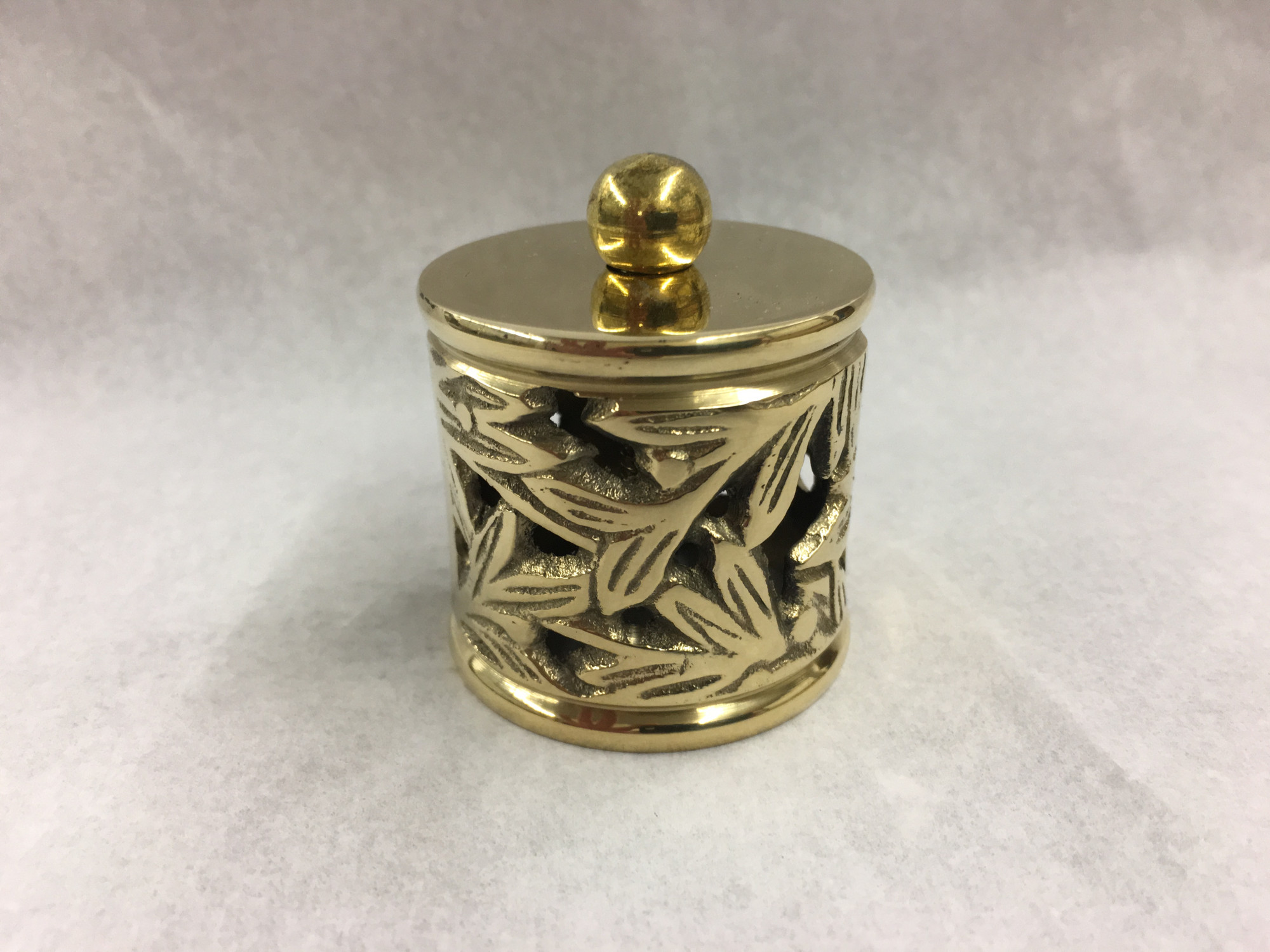 "Polished Brass Filigree End Cap for 1.5"" tubing (1.5 inch)"