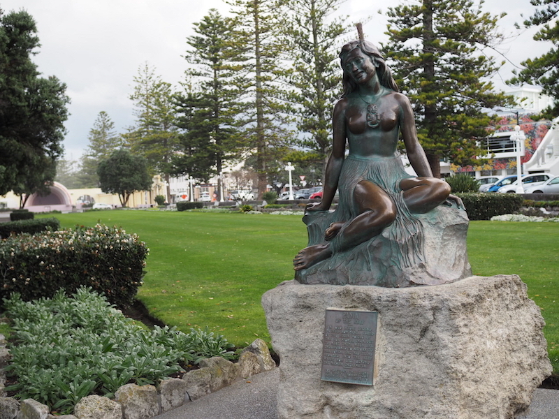 Pania of The Reef Statue