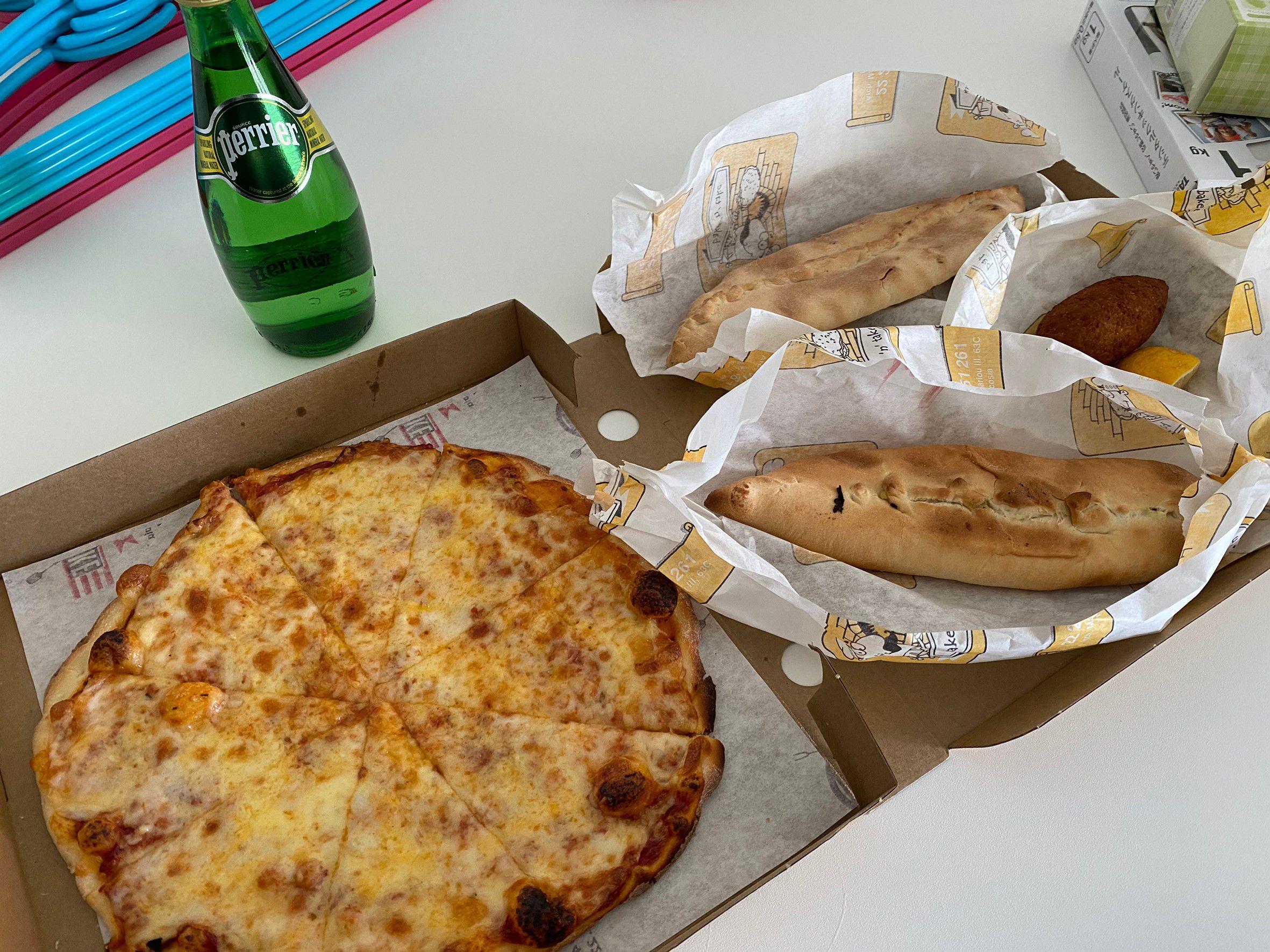 ピザ、パイ