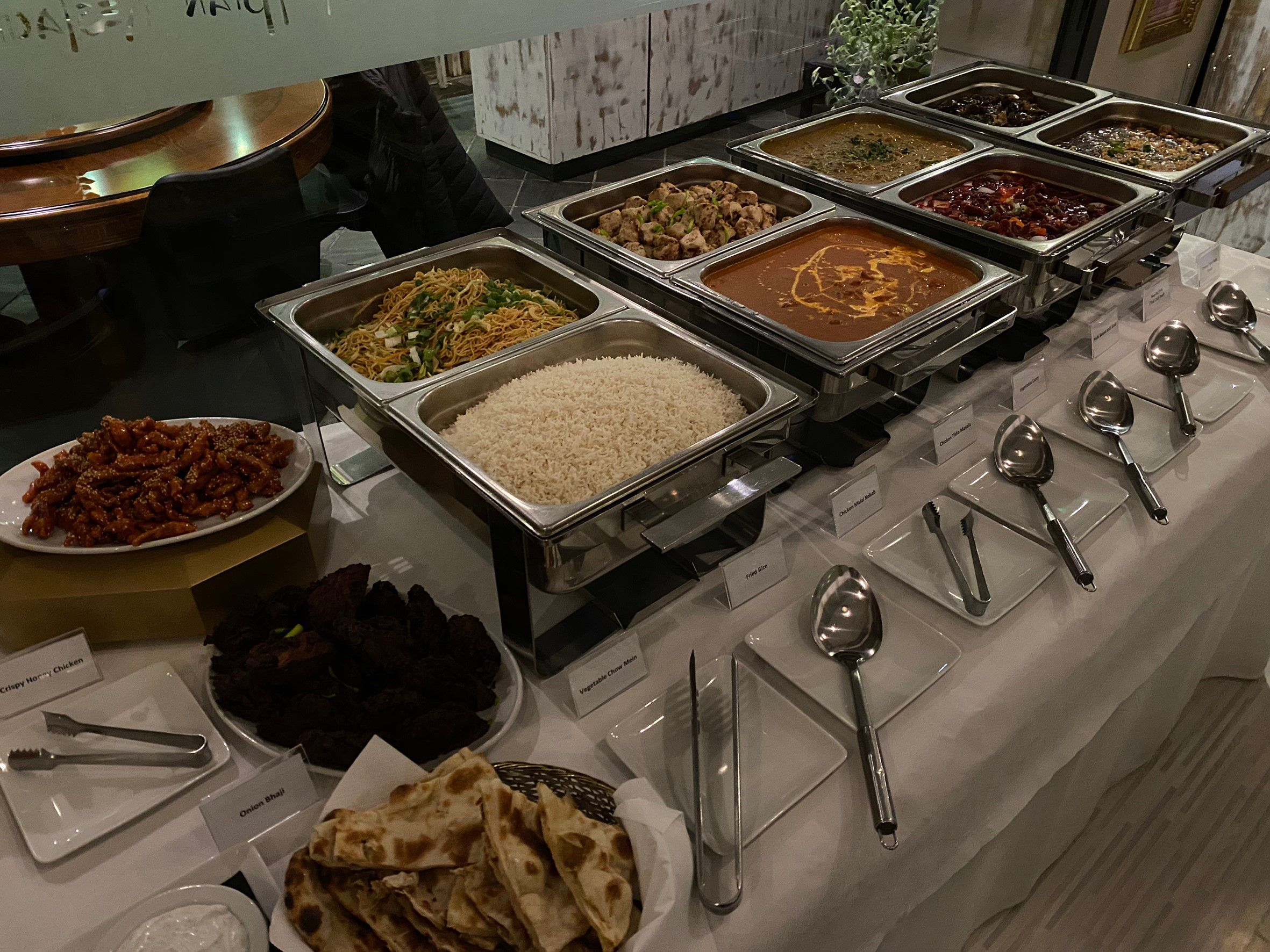 buffet Indian curry, Thai food