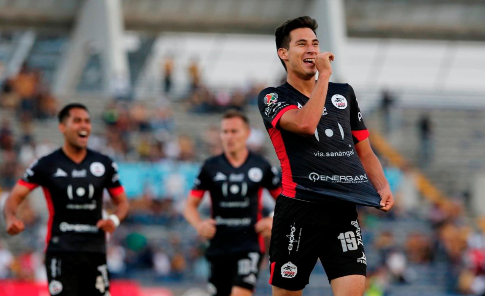 Lobos BUAP acaricia la salvación tras vencer 2-1 a Pumas UNAM