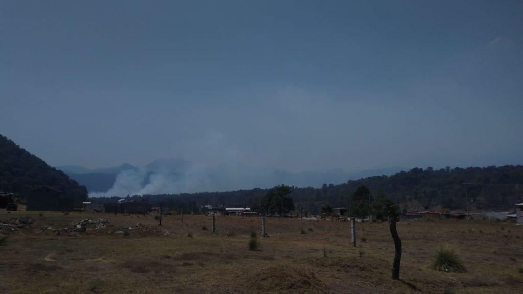 Se suma el Ejército a trabajos para combatir incendio en Huitzilac, Morelos