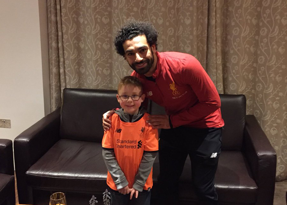 separation shoes 1e7cf 105ac Mo Salah Keeps His Word And Meets Fan Who Wrote About Him In ...