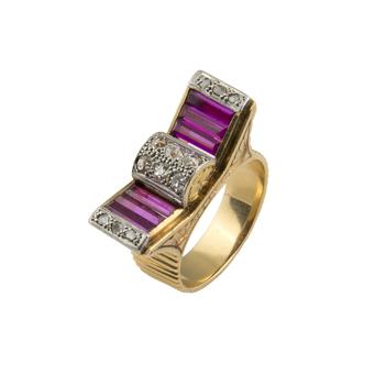Anillo Chevalier de Oro, Diamantes y Piedras Rojas