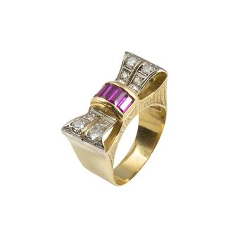 Anillo Chevalier de Oro, Diamantes y Rubís