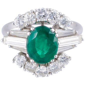 Sortija Vintage de Platino, Esmeralda y Diamantes