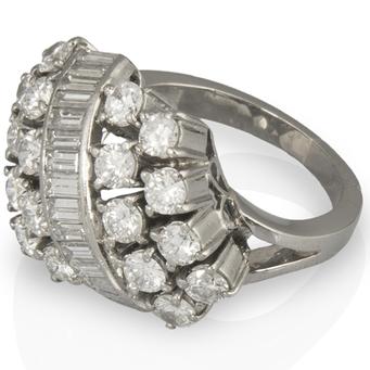 Anillo Vintage de Oro Blanco y Diamantes