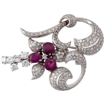 Broche Vintage de Platino, Rubíes y Diamantes