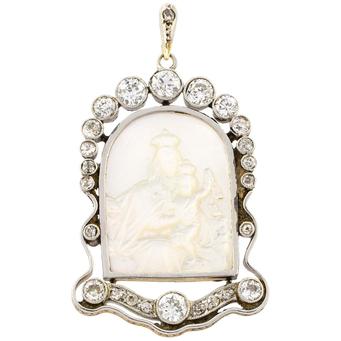 Medalla de Oro Blanco, Nácar y Diamantes