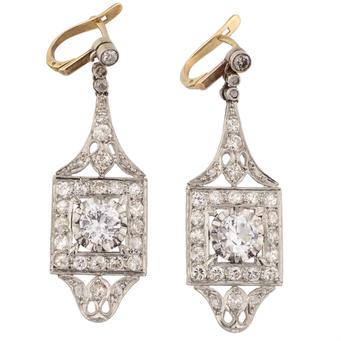 Pendientes Años 20 de Platino, Oro y Diamantes