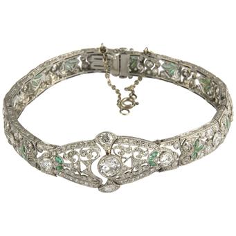Pulsera Art Decó de Platino, Esmeraldas y Diamantes