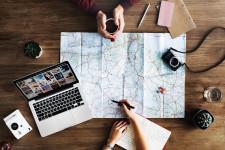 Laporan tentang Perbandingan Perilaku Travel ke Luar Negeri