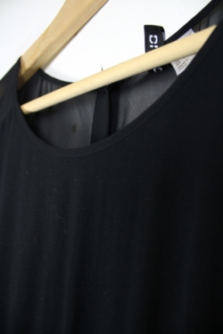 H & M Second-Hand Clothing