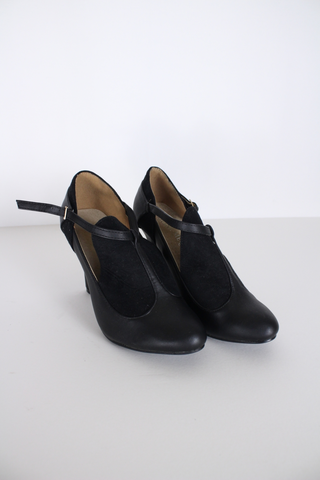 Second-hand Clothing - Sale, Women, Shoes, Heels, Second-Hand Clothing