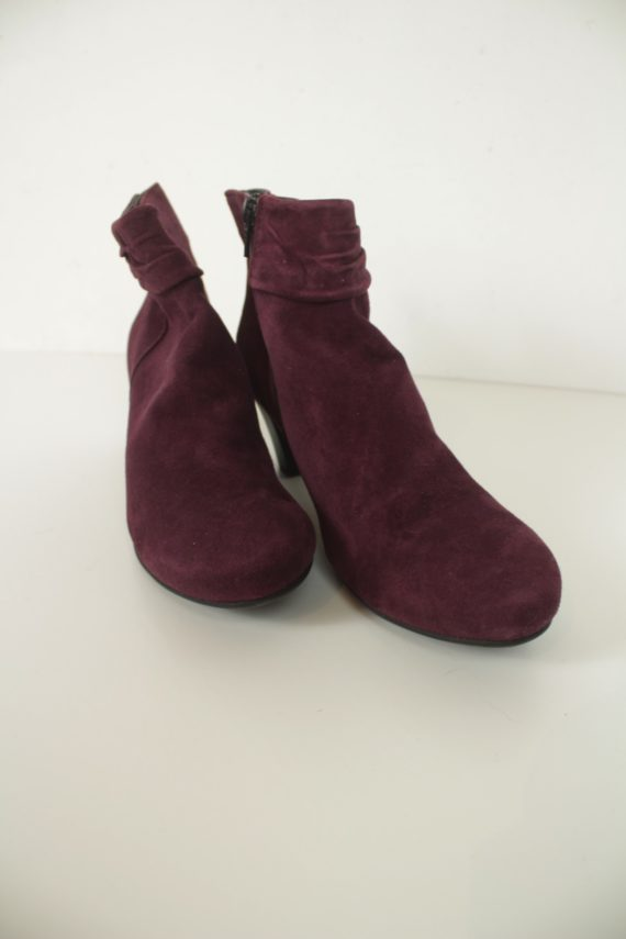 Footglove Second-Hand Clothing