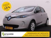 Renault Zoe R240 (Accuhuur) Navigatie | Climate Control | | € 2000,- overheidssubsidie | Financiering vanaf 2,9% |  Cruise control | Bluetooth & USB | Proefrit aan huis is mogelijk!