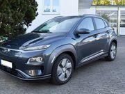 HyundaiKona - EV Premium 64 kWh 4%bijtelling/ / Fabrieksgarantie/ Navi/ Camera