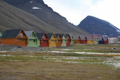 Longyearbyen#}