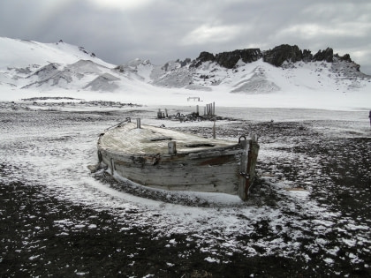 Whalers Bay#}