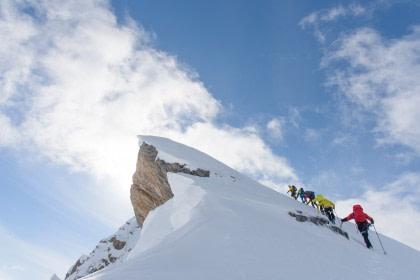 Picos Alpinos de Spitsbergen, esquí y velas
