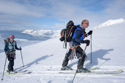 Die Gipfel Spitzbergens – Ski & Segel