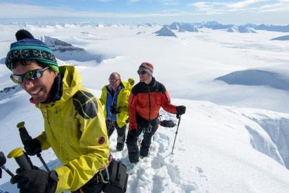 Alpine Peaks of Spitsbergen, Ski & Sail