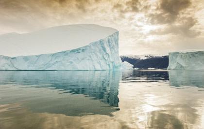Icebergs#}