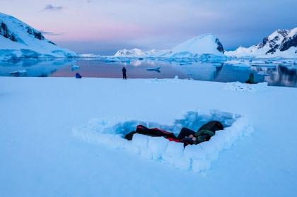 Antarctic Camping#}