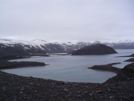 Another view of Telefon Bay