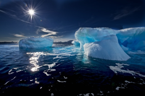 Blue icebergs in the Ross Sea