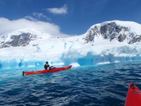 antarctica_kayaking (c) frode uhre (6).JPG