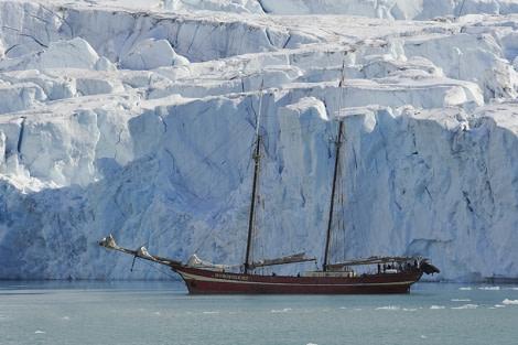 Magdalenafjorden, Spitsbergen, Noorderlicht, June © Paul Oomen Photography-Oceanwide Expeditions.jpg