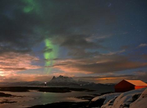 Northern lights in North Norway © Jan Belgers - Oceanwide Expeditions.jpg