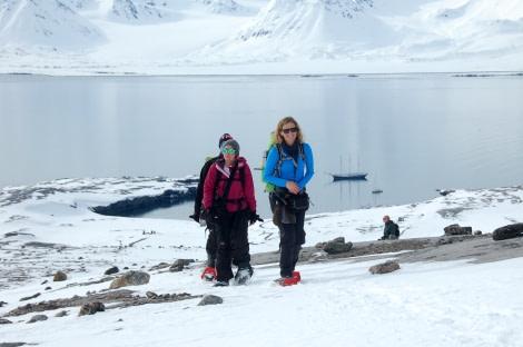 Snowshoeing, hiking, Spitsbergen, Arctic Spring © Philipp Schaudy - Oceanwide Expeditions.jpg