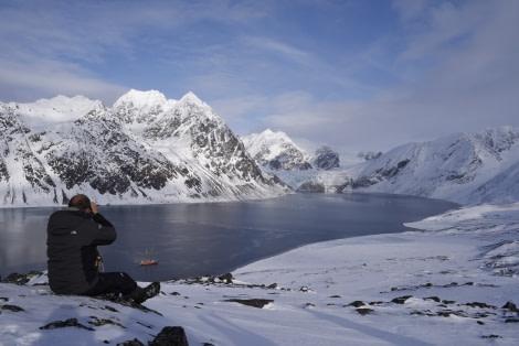 North Spitsbergen, Arctic Spring, April, Tinayrebukta2 © Sarah Gerats-Oceanwide Expeditions .jpg