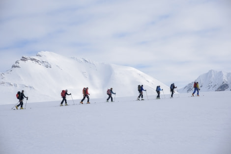 Ski & Sail , Spitsbergen, May © Oceanwide Expeditions, Folkert Lenz (1).jpg