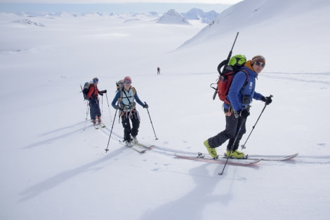 Ski & Sail , Spitsbergen, May © Oceanwide Expeditions, Folkert Lenz (2).jpg